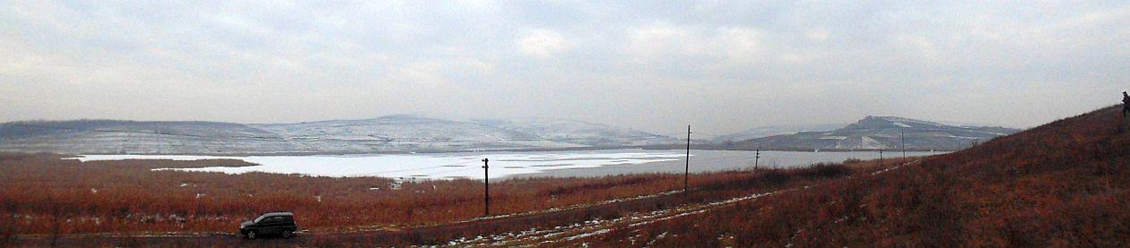Panorama-Lacul-Sucutard