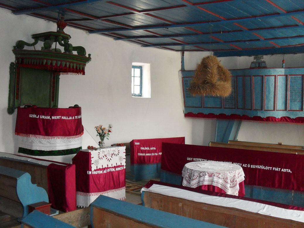 Biserica reformata sat Legii - interior